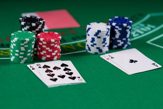 Bliv klar til at spille Blackjack Switch